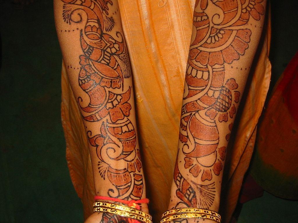 Travail: les tatouages y sont-ils acceptés?