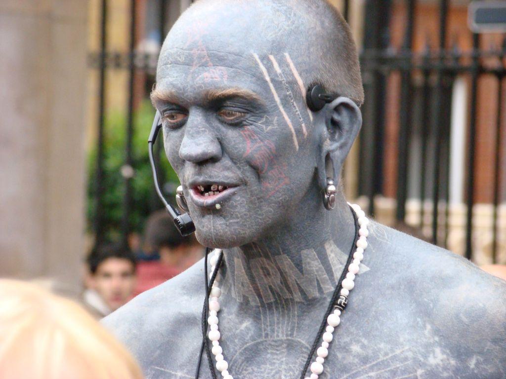 Records mondiaux insoupçonnés relatifs aux tatouages
